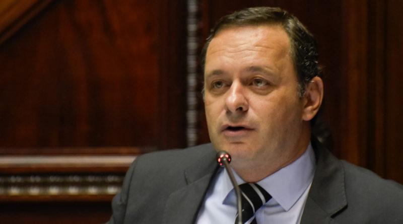Oposición convoca a Astori y Cosse a Comisión por suba de tarifas.