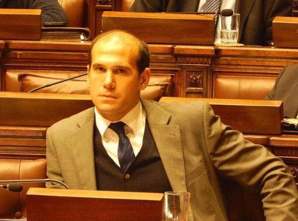 Diputado Lema pide informes por concesión de un parking en el Cordón