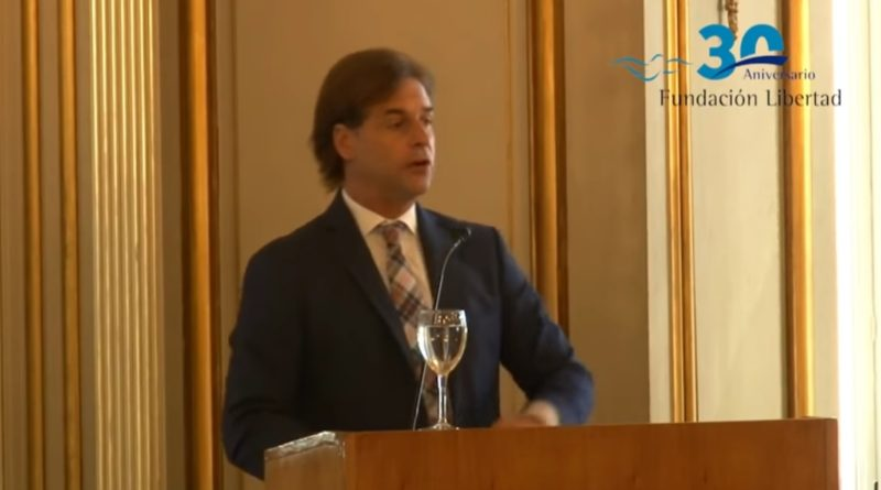 """El Senador Lacalle Pou en el panel """"el desafío del desarrollo económico y social"""" de Fundación Libertad"""