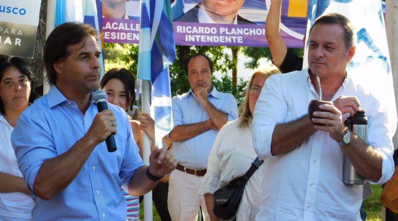 """Lacalle Pou busca el """"mano a mano"""" en los pueblos del interior"""